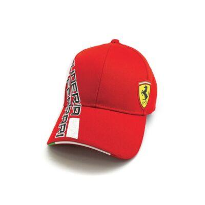 Piros színű  Ferrari baseball sapka.