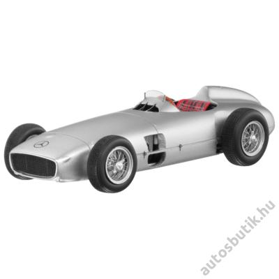 MERCEDES 2.5 L FORMULA 1 RACE CAR W 196 R VERSENYAUTÓ MODELL