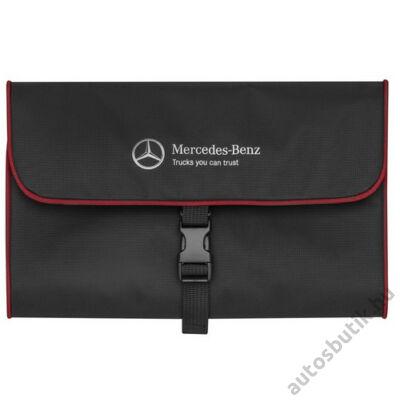Mercedes piperetáska